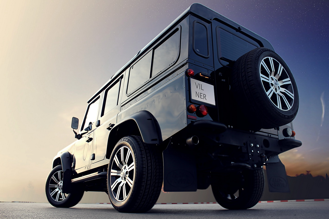 Land Rover Defender Wood